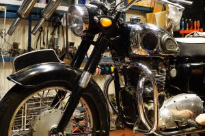 旧型エンフィールド350cc&メグロK1500cc 中古車入荷、準備中!