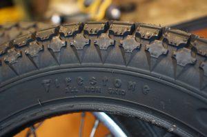 タイヤ交換 Firestone
