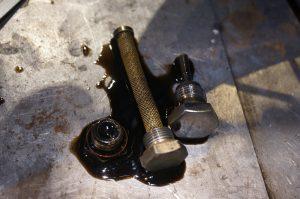 ロイヤルエンフィールド オイル漏れ修理&セルキャンセル