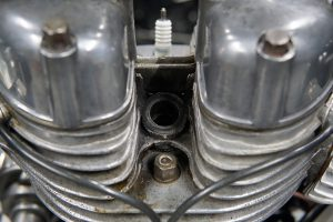 ロイヤルエンフィールド デコンプ修理