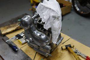 ロイヤルエンフィールド アイアンモデル ブレーキシュー交換とエンジンチューニング