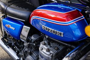 本日の作業 ロイヤルエンフィールドのオイル交換&タイヤ交換 GT750カスタムペイント
