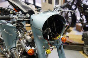 本日の作業  トラのバスタブとハーレーのスポークとエンフィールド不動修理