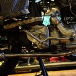 画像と動画でお伝えするロイヤルエンフィールドのエンジンの掛け方
