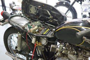 トライアンフ T140 電装修理