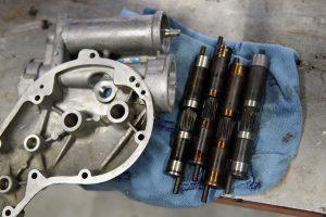 ロイヤルエンフィールド アイアンBULLETのエンジン組み立て オイルポンプでつまずく