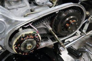 ロイヤルエンフィールド プライマリーカバーのオイル漏れ修理