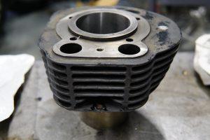 ロイヤルエンフィールド旧型アイアンエンジンの修理 組み立て準備