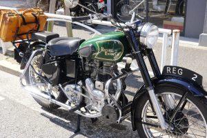 ロイヤルエンフィールド 40年代スタイルタンク交換と、フェンダーリペイントでお色直し