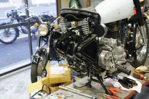 メグロK2のエンジン不動修理、ロイヤルエンフィールドのメーター交換、ビンテージカスタム