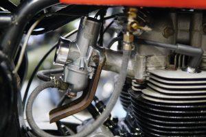 BSA A10のキャブ交換と、ロイヤルエンフィールドのエンジン組み上げ